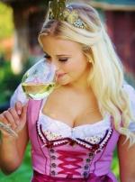 Hambachs neue Weinprinzessin Katrin-Maria kommt aus dem WeingutSchäffer
